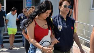 Kuyumcuları dolaşıp sahte altın kolye satan kız kardeşler yakalandı