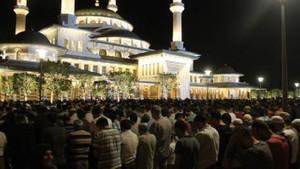 Kadir Gecesi'nde dualar semaya yükseldi