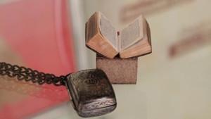 Bu Kur'an-ı Kerim'i okumak için büyüteç lazım