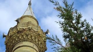 Hayran kaldıkları minareyi yerinden söküp götürdüler
