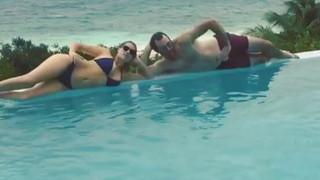 Kate Upton'ın havuz keyfi