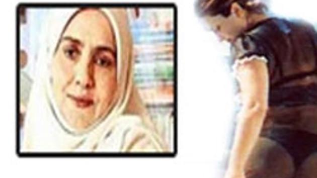 Emine Şenlikoğlu, Sibel Can'a rest çekti: