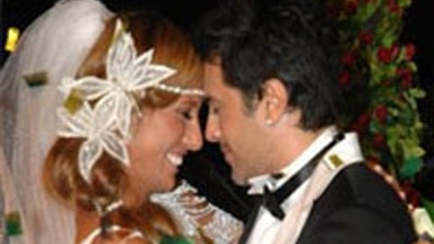 Ve mutlu son!!! Çağla Şikel ile Emre Altuğ evlendi!!! FOTO/GALERİ