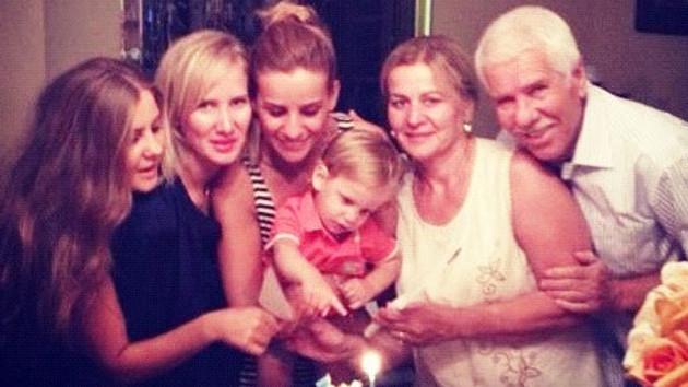 Esra Erol ailesi doğumgünü kutlamalarında!