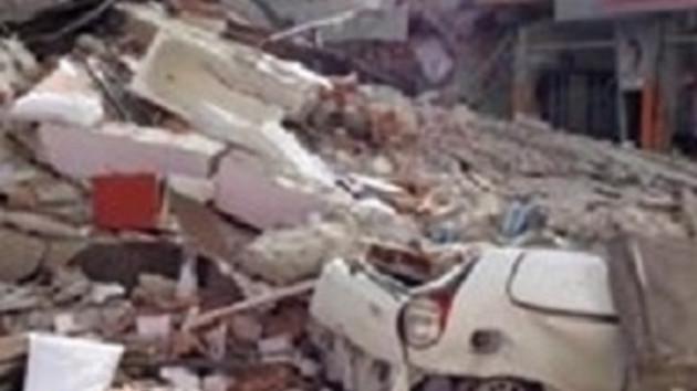 Van'da 7.2'lik deprem felaketi! 100'den fazla ölü var!