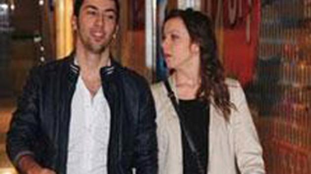 Hande Yener'in oğlu korktu! Çekmeyin annem kızar!
