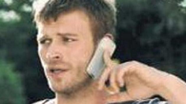 Kuzey'den parmak modası! Telefon böyle tutulur!