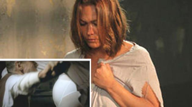 Hülya Avşar, tecavüze uğradığı sahneyi kızı Zehra ile izledi!