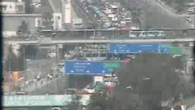 İstanbul trafiğini kilitleyen eylem! Minibüsçüler E-5'i kapattı!