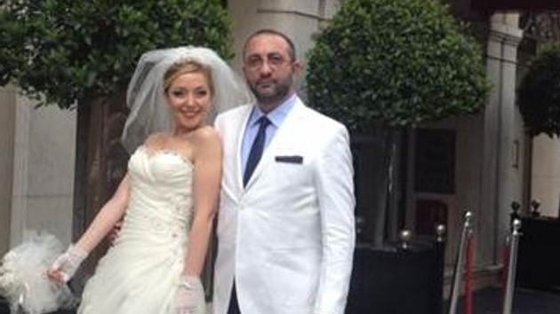 Abdullah Özdoğan, Öykü Gülersönmez'le Paris'te evlendi!