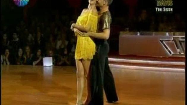 Adriana Lima'nın müthiş dansı! Yok böyle dans!