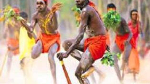 Ruslar buz pateninde Aborijin dansı yaptı Avustralyalılar kızdı!