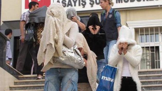 İstanbul'da fuhuş operasyonu! 52 adres basıldı!