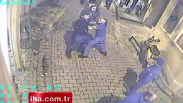 Hayko Cepkin kadına böyle kafa attı