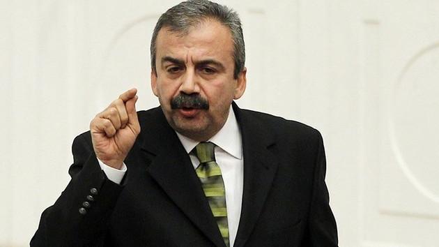 Sırrı Süreyya Önder'e 'terör örgütü üyeliği' suçundan dava