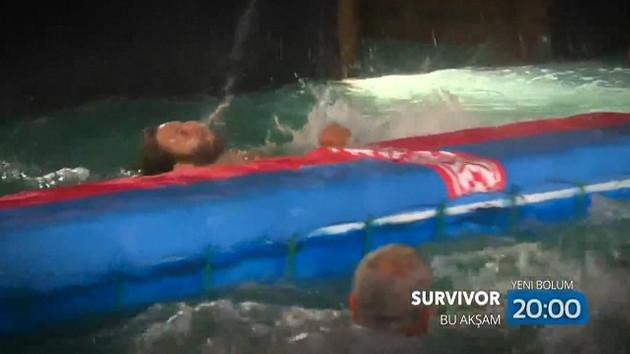 Survivor'da böylesi ilk kez yaşandı! Atakan'ın zor anları!
