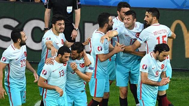 A Milliler Çek Cumhuriyeti'ni 2-0 yendi