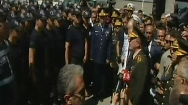 Hulusi Akar: Asker üniforması giymiş yılanlar...