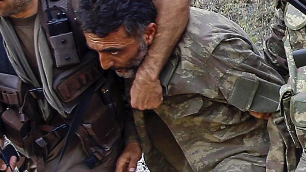 En tehlikeli isim Çiğli imamı Astsubay Zekeriya Kuzu yakalandı