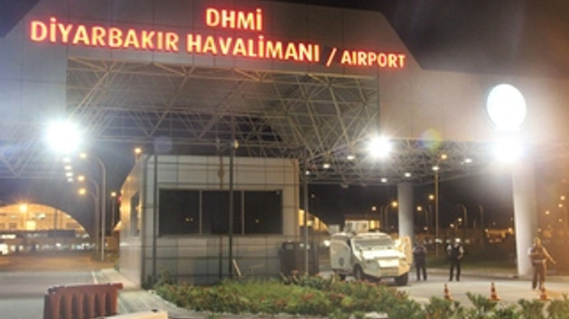 PKK'lı teröristler, Diyarbakır Havalimanı'nda polise roketatarlı saldırı düzenledi