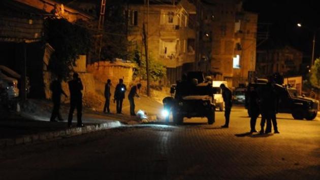 Hakkari'de zırhlı polis aracının geçişi sırasında patlama!