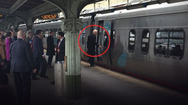 Joe Biden, 8 yıl ülkeyi yönetti evine trenle döndü
