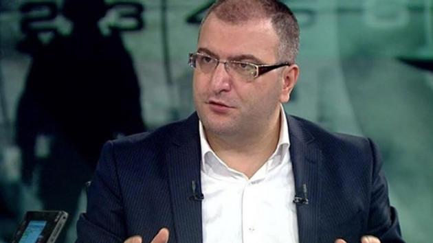Cem Küçük'ten ana akım medya'ya tepki: Hep anti- Erdoğanist isimleri ekrana çıkarıyorlar!