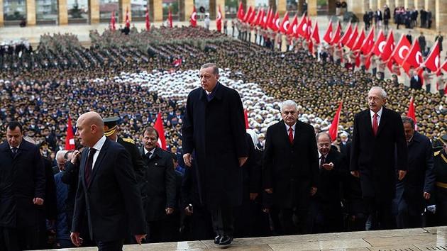 Erdoğan'dan 29 Ekim mesajı: Hamdolsun dimdik ayakta