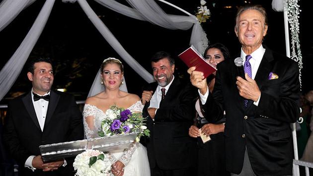 İzmir Marşı düğünlerin vazgeçilmez şarkısı oldu