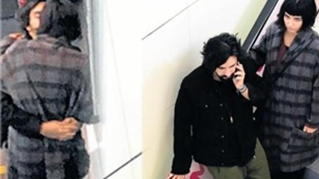 Tuba Büyüküstün ve sevgilisi AVM merdivenlerinde öpüştü