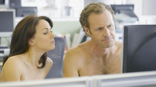 Patronunuz ofise kıyafetsiz gelmenizi isterse..