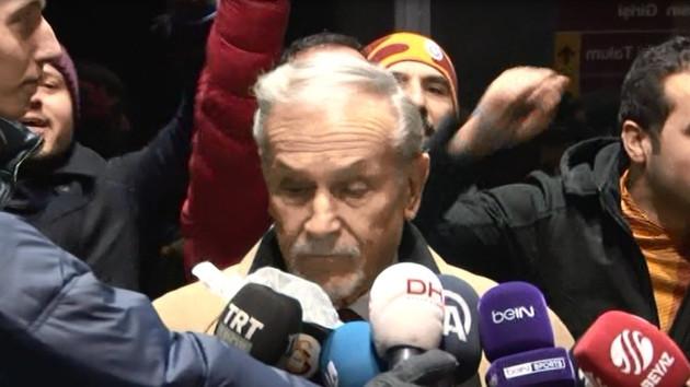 Galatasaray taraftarından canlı yayında protesto