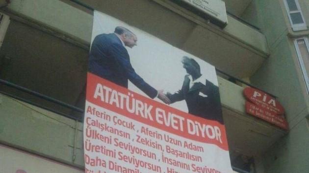 Atatürk ile Erdoğan'ı fotomontajla el sıkıştırdılar.. Atatürk de evet derdi