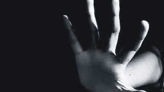 Antalya'da öğretmen erkek lise öğrencisiyle otomobilde yakalandı