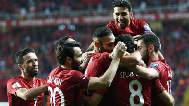 24 Mart reyting sonuçları: Türkiye- Finlandiya maçı mı, Aşk ve Mavi mi?