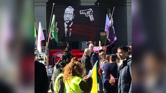 İsviçre'de Erdoğan'ı öldürün pankartı!