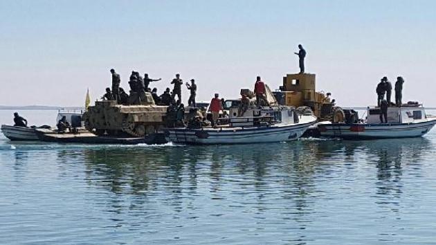 YPG'liler tankları Fırat nehrinden böyle geçirdi