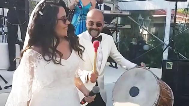 Sarp Akkaya ve Sinem Yalçınkaya evlendi