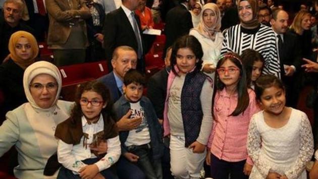 Erdoğan çocuklarla birlikte film izledi