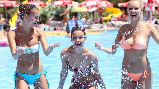 Antalya'da Rus turist sayısı 1 milyonu aştı