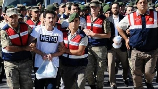 Akşam'dan ilginç iddia: Tişörtteki HERO'nun anlamı 'Hoca efendi razı olsun' mu?