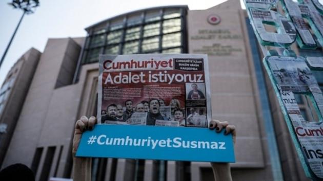 Dünyanın izlediği Cumhuriyet davası Türk medyasına haber olamadı!