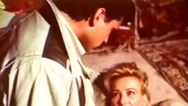 Filiz Aker'in yıllar önce oynadığı filmdeki şok sahne
