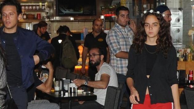 Berfin Erdoğan ile genç şarkıcı Edis aşk mı yaşıyor?