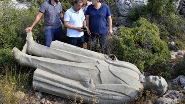 Atatürk heykeliyle ilgili çirkin olayda 3 zanlı serbest