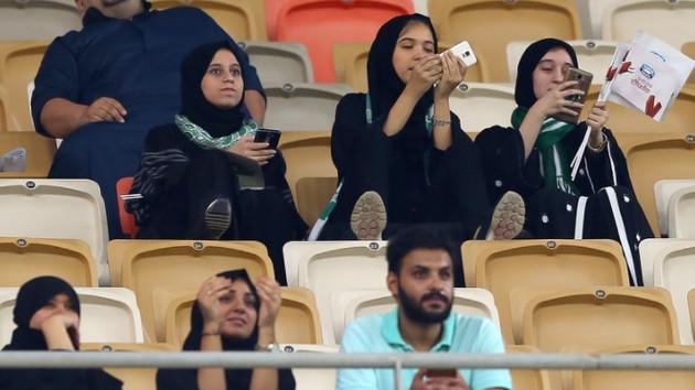 Suudi Arabistan'da devrim gibi ilk