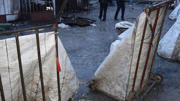 Beylikdüzü'nde konteyner yangını: 3 işçi hayatını kaybetti