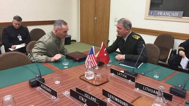 Hulusi Akar'dan ABD Genelkurmay Başkanı'na Afrin uyarısı