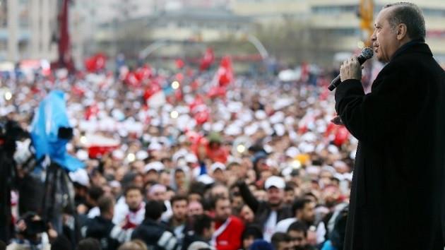 Recep Tayyip Erdoğan'ı sarıklı komutan karşıladı