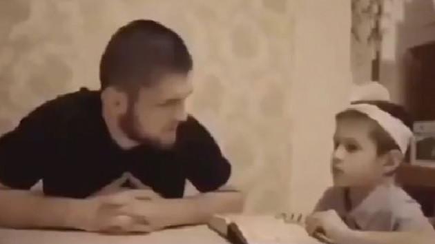 Khabib Nurmagomedov'dan çocuklara Kur'an dersi